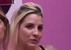 Bella conta que família de Clara quase foi despejada durante o programa - Reprodução/ TV Globo