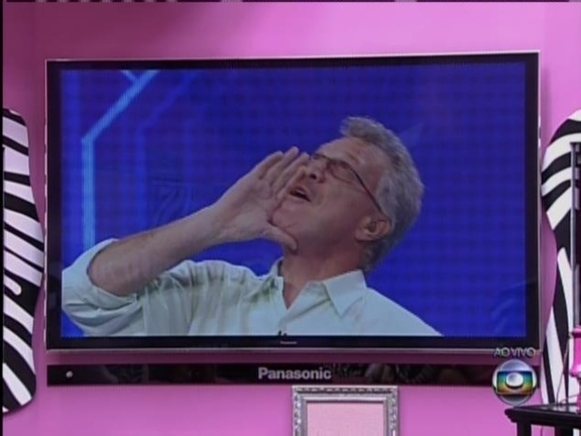 """20.mar.2014 - """"Eu estava pensando em você, Bial"""", disse Tatiele ao apresentador, que se empolgou."""