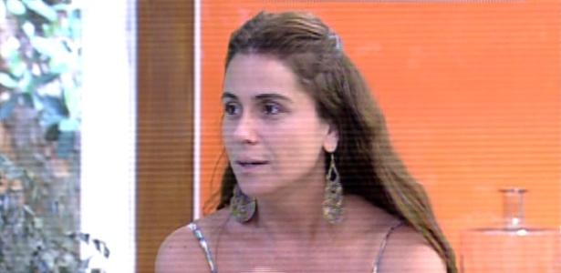"""Giovanna Antonelli comenta o romance de Clara e Marina na novela """"Em Família"""" durante o """"Mais Você"""""""
