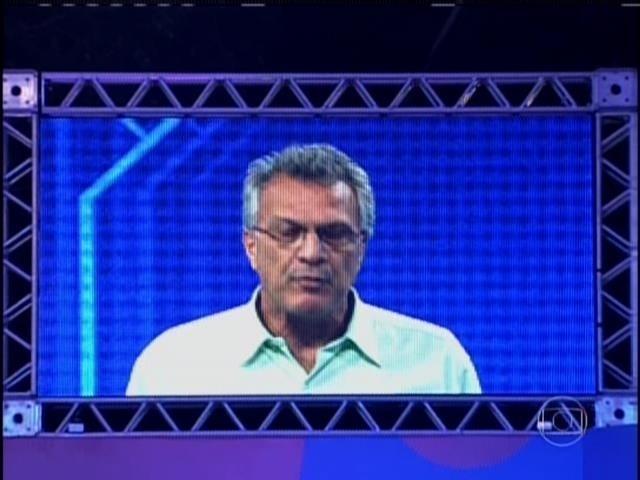 20.mar.2014 - Pedro Bial autoriza o começo da prova do líder.