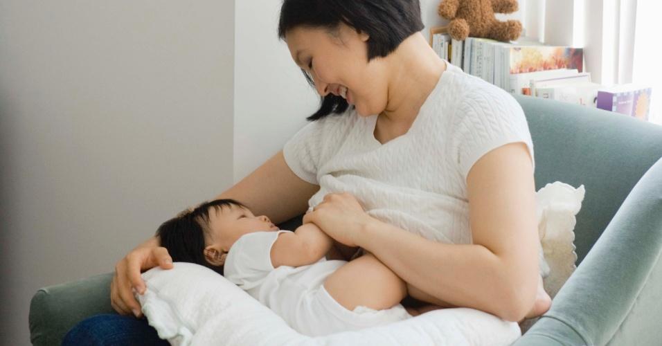 mãe, bebê, amamentação