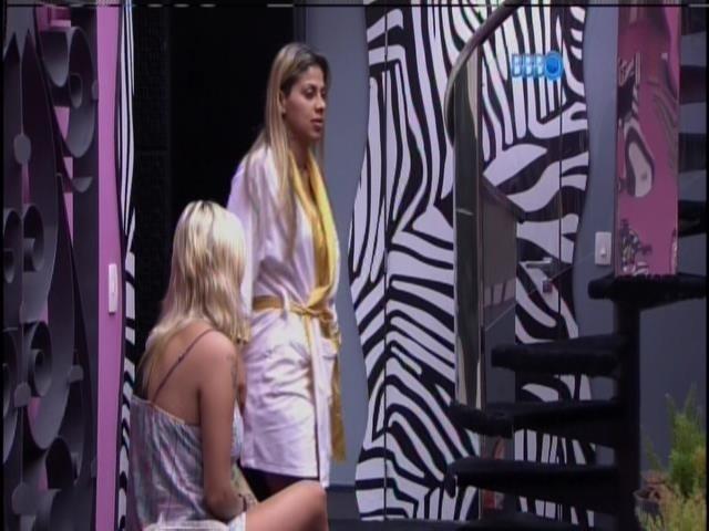 21.mar.2014 - Tatiele e Marcelo satirizam Vanessa
