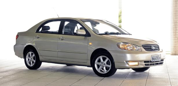 Toyota Corolla XEi 1.8 2002/03: eis o carro envolvido no recall de airbags - Murilo Góes/UOL