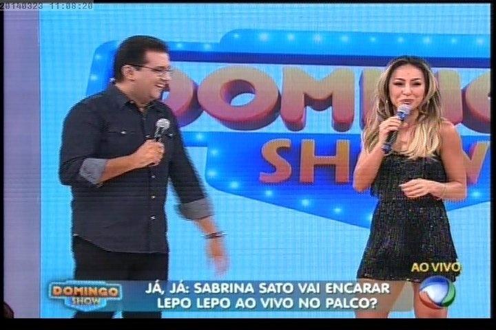 "23.mar.2014 - A estreia do novo programa de Geraldo Luís, ""Domingo Show"", chegou a ser adiada só para ter Sabrina Sato como convidada"