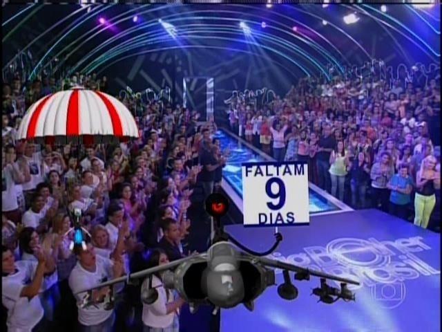 23.mar.2014 - Edição ao vivo se inicia com anúncio de que programa termina no dia 1º de abril
