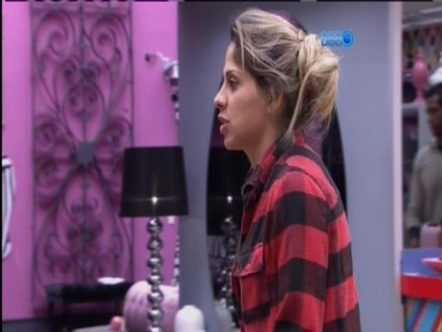 23.mar.2014 - Vanessa revelou que beijou os cantores Jair Rodrigues e Preta Gil