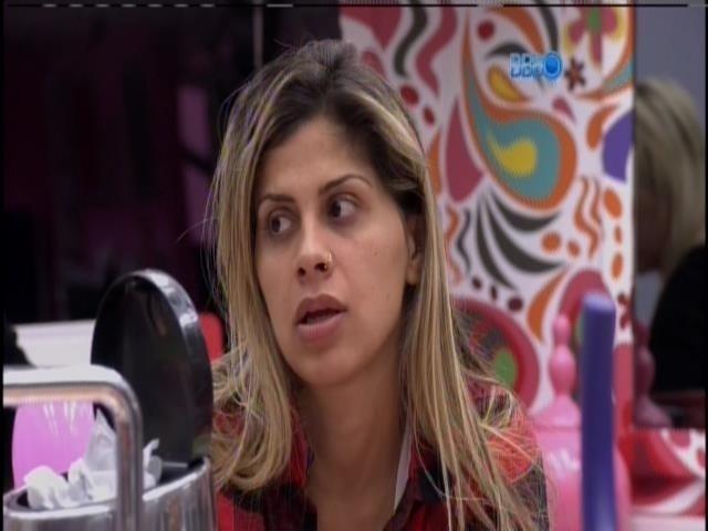 """24.mar.2014 - """"Ela acha que foi uma mancada minha"""", diz Vanessa sobre Tatiele"""