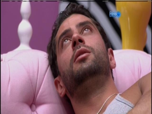 25.mar.2014 - Angela pede desculpas para Marcelo novamente: