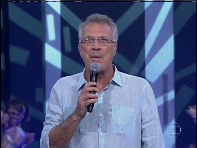25.mar.2014 - Apresentador Pedro Bial inicia o programa ao vivo que vai eliminar o 15º participante