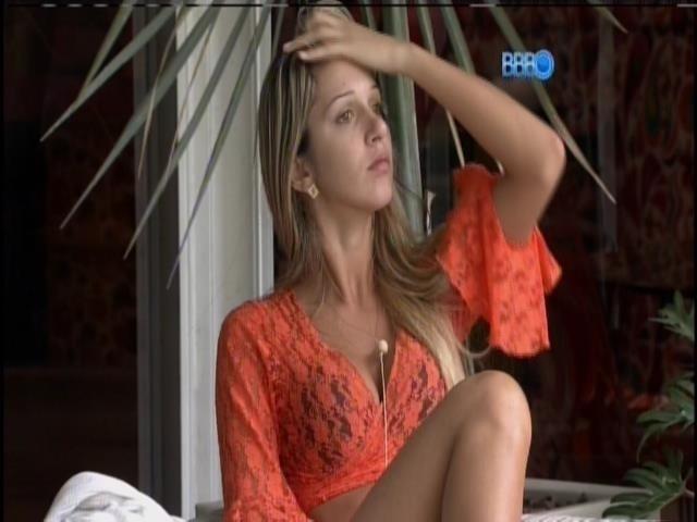 25.mar.2014 - Em paredão contra Marcelo, público do UOL prefere a eliminação de Tatiele