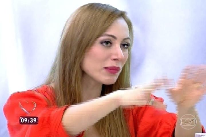 26.mar.2014 - Participantes eliminados tomam café da manhã com Ana Maria Braga no programa