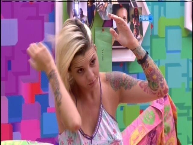 """27.mar.2014 - Brothers acordam com atrações musicais do """"The Voice Brasil 2"""""""