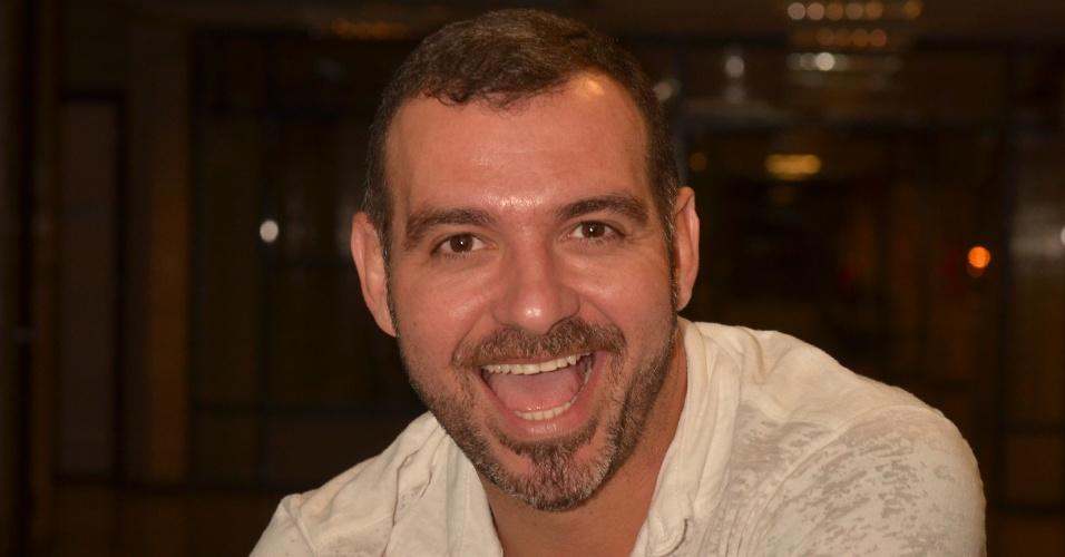 """28.jan.2014 - Vagner, o sexto eliminado de """"BBB14"""", fala a jornalistas após sua eliminação"""