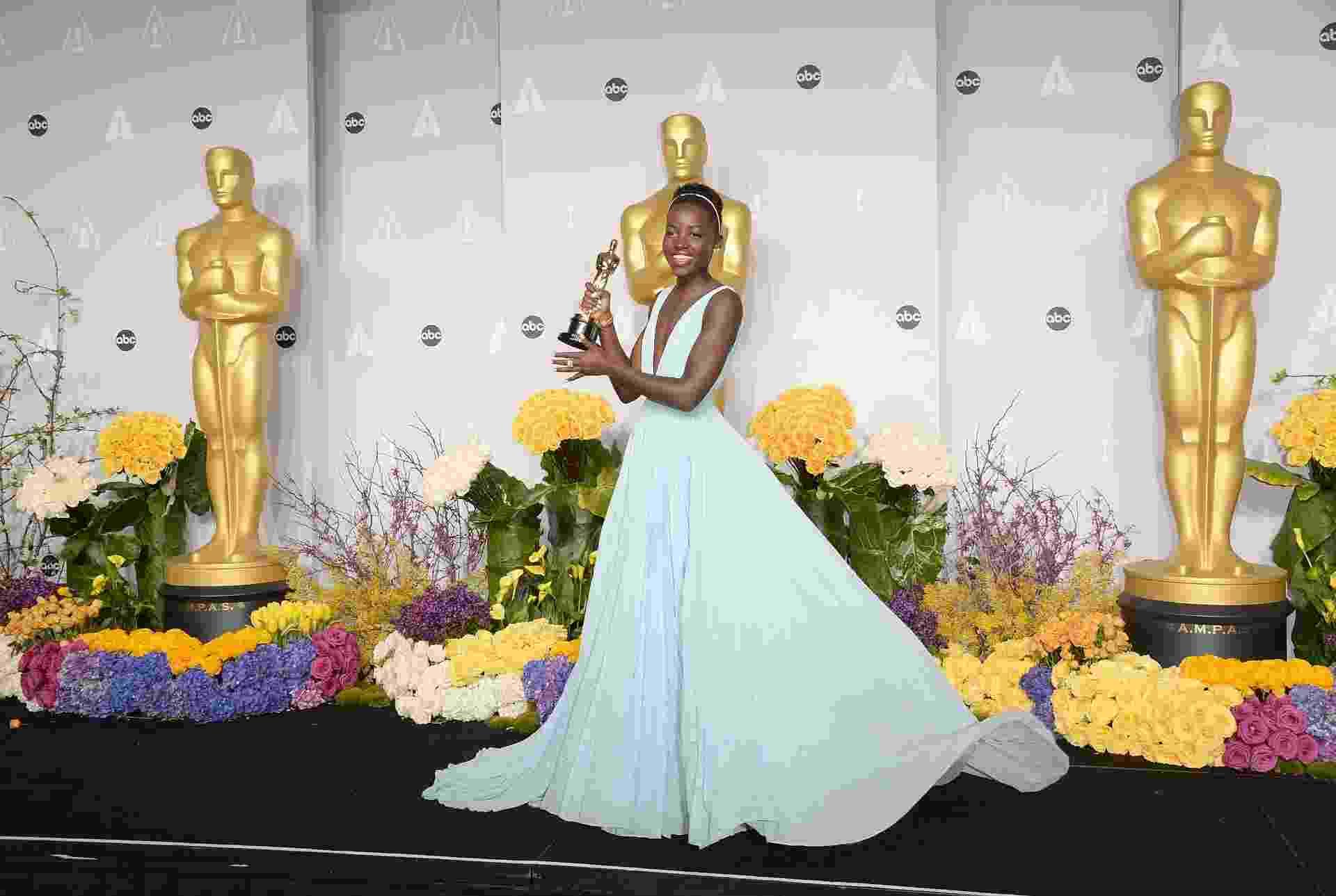 Descubra os truques de moda da nova diva fashion, a atriz Lupita Nyong'o - Getty Images