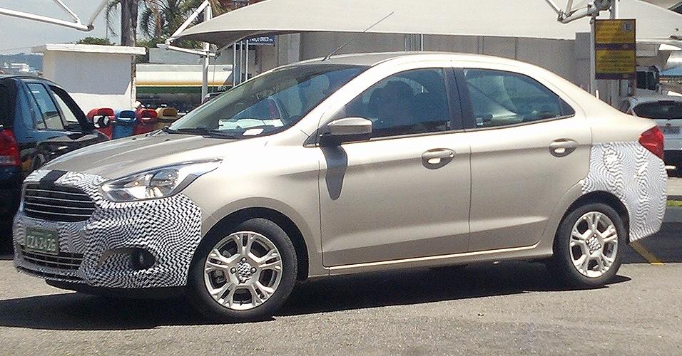 Novo Ford Ka foi visto pelo leitor Vicente Ignacio Neto na Rodovia Castelo Branco próximo à cidade de Barueri (SP). Nova geração do modelo deve chegar ao mercado no primeiro semestre de 2014