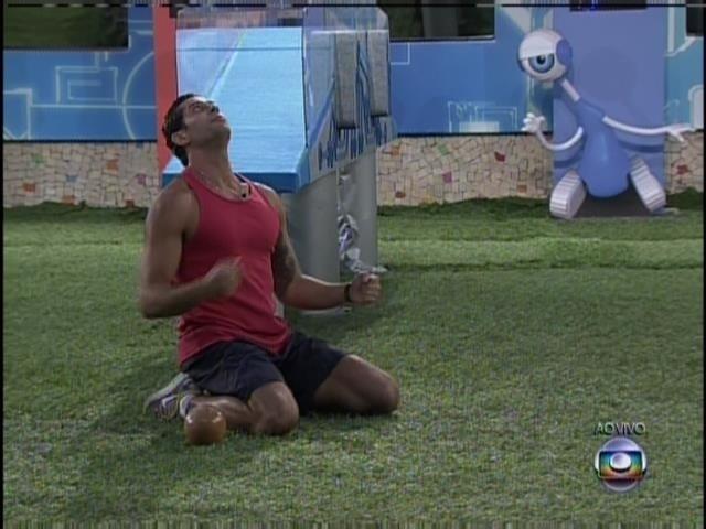 28.mar.2014 - Marcelo vence a segunda etapa da prova do líder