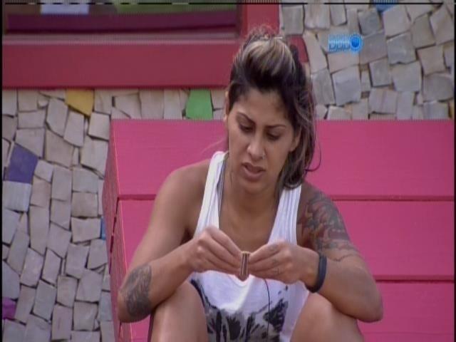 28.mar.2014 - Vanessa pede desculpas para Marcelo e brothers analisam até onde chegaram no jogo
