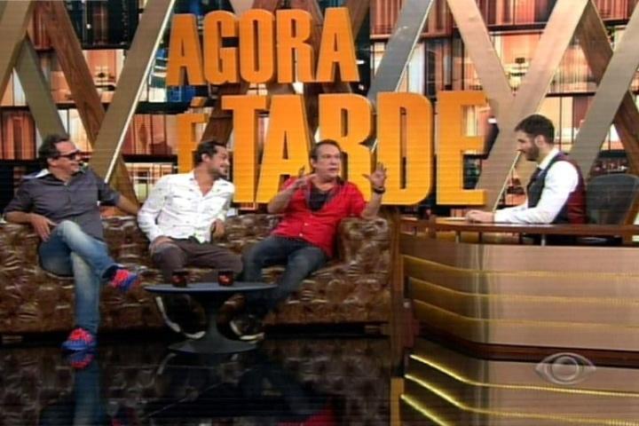 Carioca, Edu Sterblitch e Emílio Surita conversam com Rafinha Bastos no