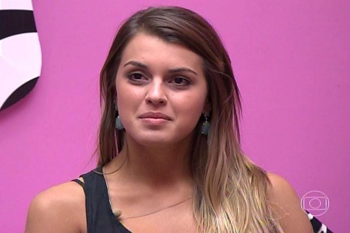 30.mar.2014 - Bial pede a Angela e Clara que falem um pouco sobre Marcelo e Vanessa, respectivamente; Angela diz que Marcelo e ela brigam, mas se gostam