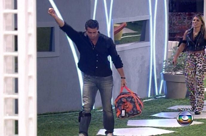 """30.mar.2014 - E com 55% dos votos, Marcelo é eliminado do """"Big Brother Brasil""""; paranaense cai após enfrentar sete paredões"""