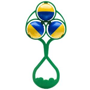 O chocalho é um dos produtos da Lolly Baby (www.lollybaby.com) com temática Copa do Mundo que estarão na 31ª Abrin (Feira Brasileira de Brinquedos). O preço é R$ 8,50. A Abrin acontece de 1º a 4 de abril de 2014 na Expo Center Norte, em São Paulo. O evento é voltado para lojistas e profissionais do setor - Divulgação