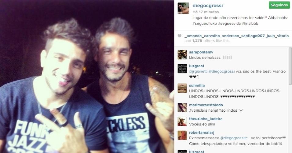 01.abr.2014 - Diego posta foto com Junior: