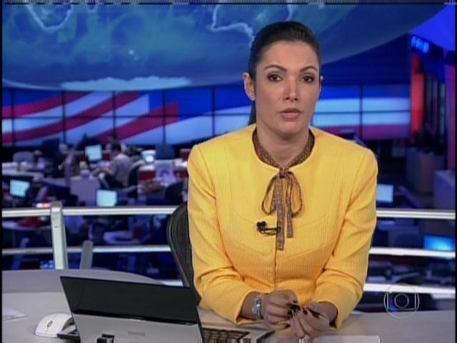 1.abr.2013 - Figurino de Patrícia Poeta é criticado por internautas