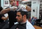 """Diego tem dia de beleza para a final do """"BBB14"""". O carioca cortou e fez relaxamento nos cabelos e limpeza de pele - MercadoCom/RibamarFilho"""