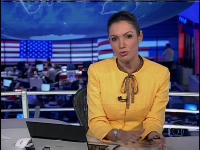 1.abr.2014 - Patrícia Poeta recebeu críticas dos internautas pelo figurino usado no