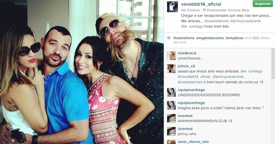 1º.abril.2014 - Vagner também aproveitou o reencontro com os ex-brothers para postar uma foto com Cássio, Princy e Letícia.