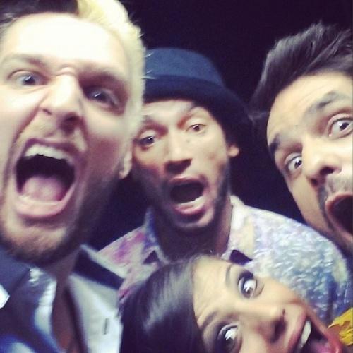 """01.abr.2014 - Cássio posta foto com Valter, Diego e Franciele: """"Termina o programa e a amizade continua"""""""