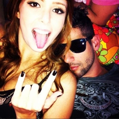 """02.abr.2014 - Amanda posta foto de Rodrigo dormindo e brinca: """"Será que eu só durmo mesmo??? Rodrigão tá roncando aqui galera"""""""