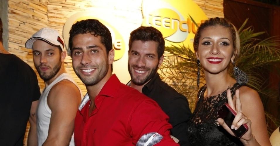 """02.abr.2014 - João Almeida, Marcelo, Roni e Tatiele chegam para a festa do """"BBB14"""""""