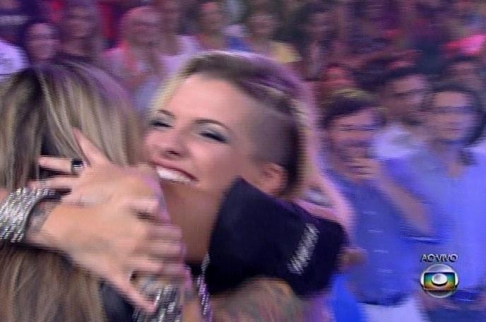"""1.abr,2014 - E com 53% dos votos, Vanessa a ganhadora do """"BBB14; a ativista leva para casa o prêmio de R$ 1,5 milhão"""