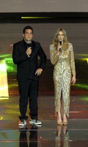 """2.abr.2014 - André Marques e Fernanda Lima na gravação do """"vem_aí"""""""