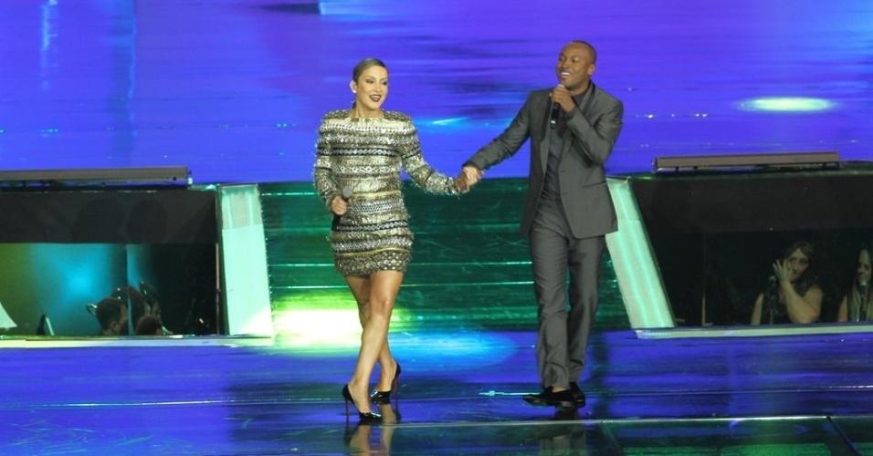 """2.abr.2014 - Claudia Leitte e Thiaguinho se apresentaram durante a """"vem_aí"""", festa de lançamento da nova programação da Globo"""