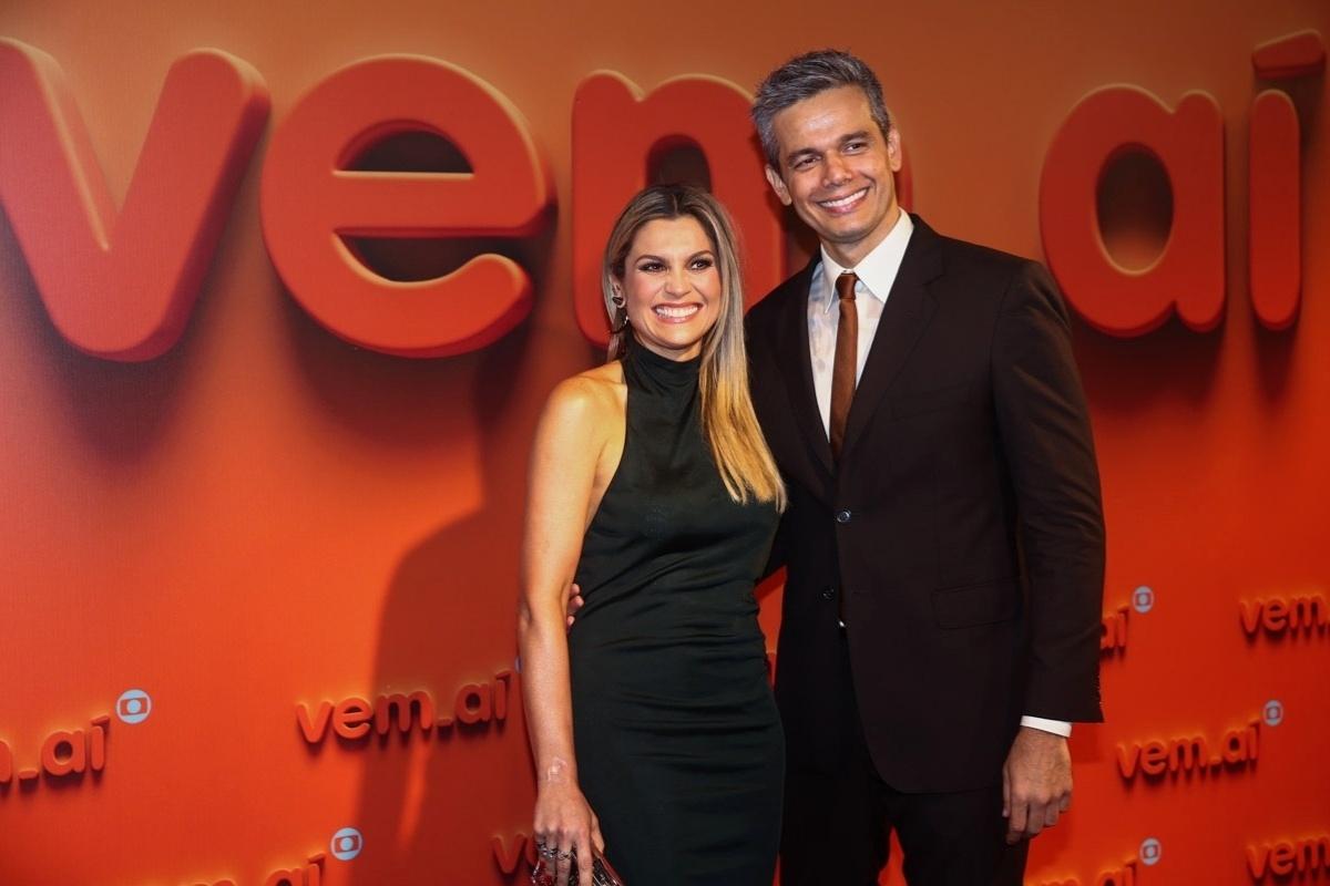 2.abr.2014 -Flavia Alessandra e Otaviano Costa prestigiaram a