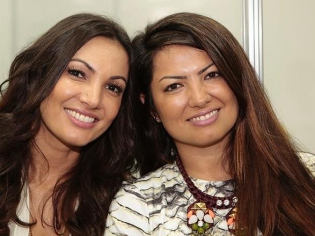 Patrícia Poeta posa com a irmã Paula Poeta