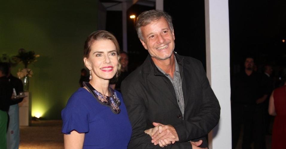"""2.abr.2014 - Maitê Proença e Marcelo Novais na gravação do """"vem_aí"""""""