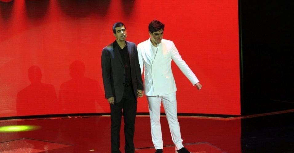"""2.abr.2014 - Marcelo Adnet e Marcius Melhem falam sobre a série """"Tá no Ar"""" na gravação do """"vem_aí"""""""