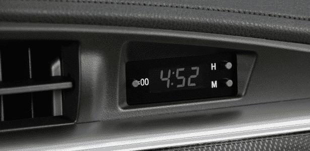 Toyota Corolla Altis 2015 - relógio - Murilo Góes/UOL - Murilo Góes/UOL