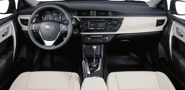 Toyota Corolla Altis 2015 - interior - Murilo Góes/UOL - Murilo Góes/UOL