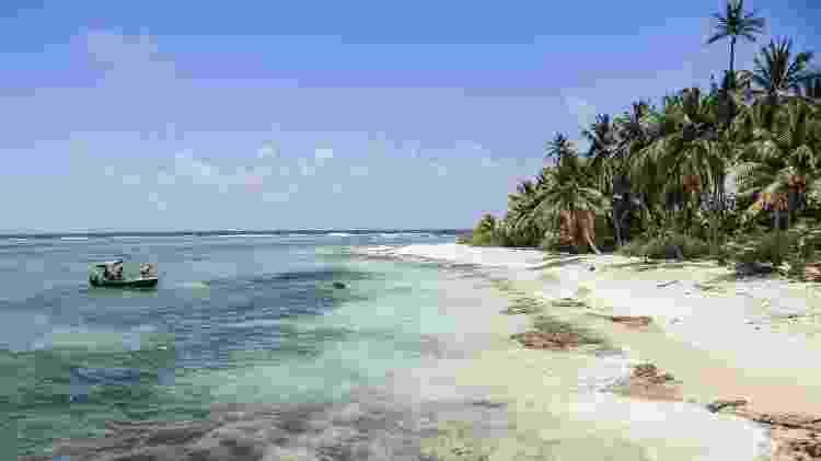 A 700 km da costa continental da Colômbia e próximo à Nicarágua, um pontinho pequenino no mar do Caribe se destaca no mapa da América. O conjunto de ilhas colombianas onde chegaram os ingleses que buscavam novas terras no final da década de 1620 desponta hoje como um dos principais destinos turísticos do país. Com apenas 26 km² de extensão, a paradisíaca San Andrés é a maior e principal delas. - Thinkstock - Thinkstock