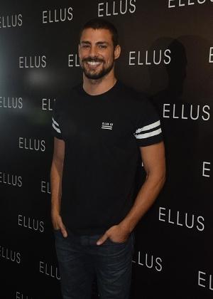 Cauã Reymond desfila pela Ellus no SPFW - AgNews
