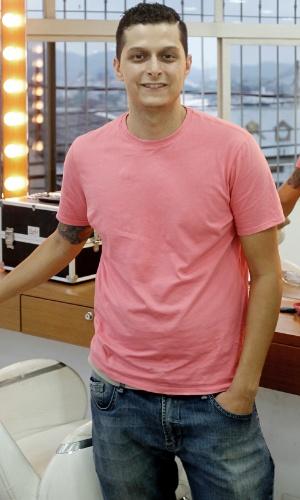 Diogo Moura realizou o primeiro corte de cabelo estilo cut de Vanessa