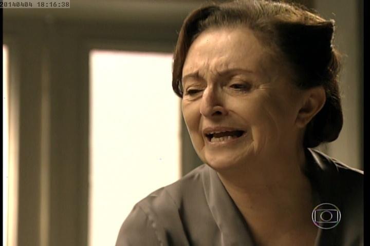 Gertrude se desespera ao contar para Ernest que matou Catarina
