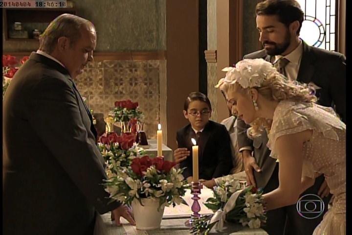 Lola e Fabrício se casam no último capítulo de