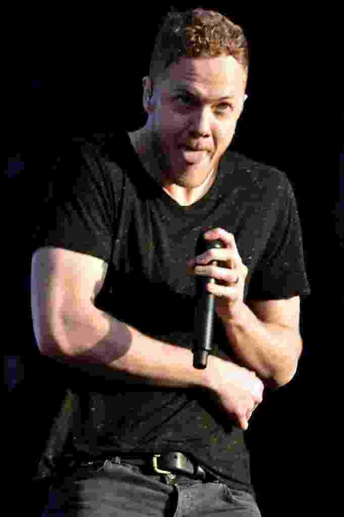 05.abr.2014 - Dan Reynolds, vocalista do Imagine Dragons, se apresenta no Lollapalooza 2014 no Autódromo de Interlagos, em São Paulo - Caio Duran / AgNews