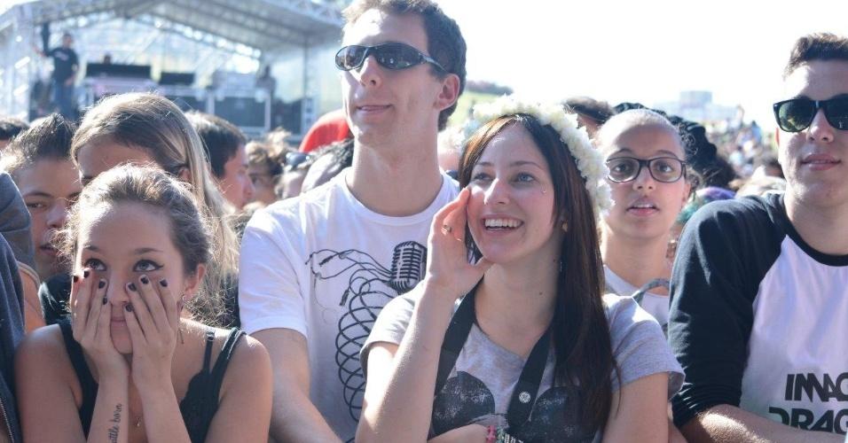 05.abr.2014 - Público assiste ao show do Cage the Elephant no primeiro dia do Festival Lollapalooza 2014 no Autódromo de Interlagos, em São Paulo