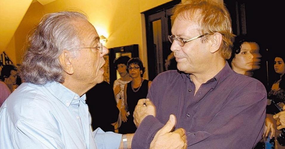 18.mar.2004 - Zelito Vianna e o ator José Wilker na pré-estréia do filme